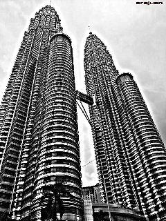 hdr travel black & white klcc malaysia